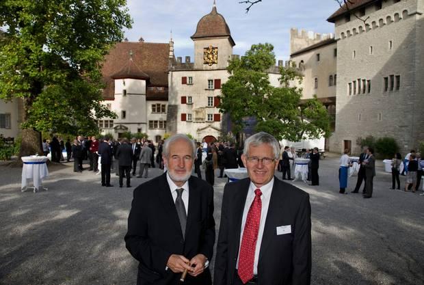 2008 feierte die Zigarrenfabrik das 120-jährige Bestehen. Heinrich Villiger zusammen mit seinem Bruder, Alt Bundesrat Kaspar Villiger, auf Schloss Lenzburg.