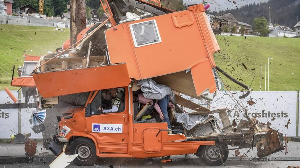 Axa: Grosse Gefahren bei Crashs von Wohnmobilen