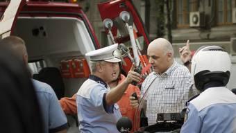 Rettungskräfte im Einsatz in Bukarest: Bei Explosion in Nachtclub sterben mehrere Menschen (Symbolbild)