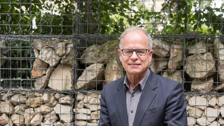 Ausnahmsweise im Mittelpunkt: Pierre de Meuron vor seinem Interview mit der «Schweiz am Wochenende» im Innenhof des HdM-Hauptsitzes an der Rheinschanze.