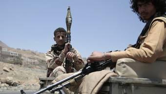 Jemen im Bürgerkrieg: Die 27 Millionen Einwohner des südarabischen Landes kämpfen zu Hause um ihr Überleben.