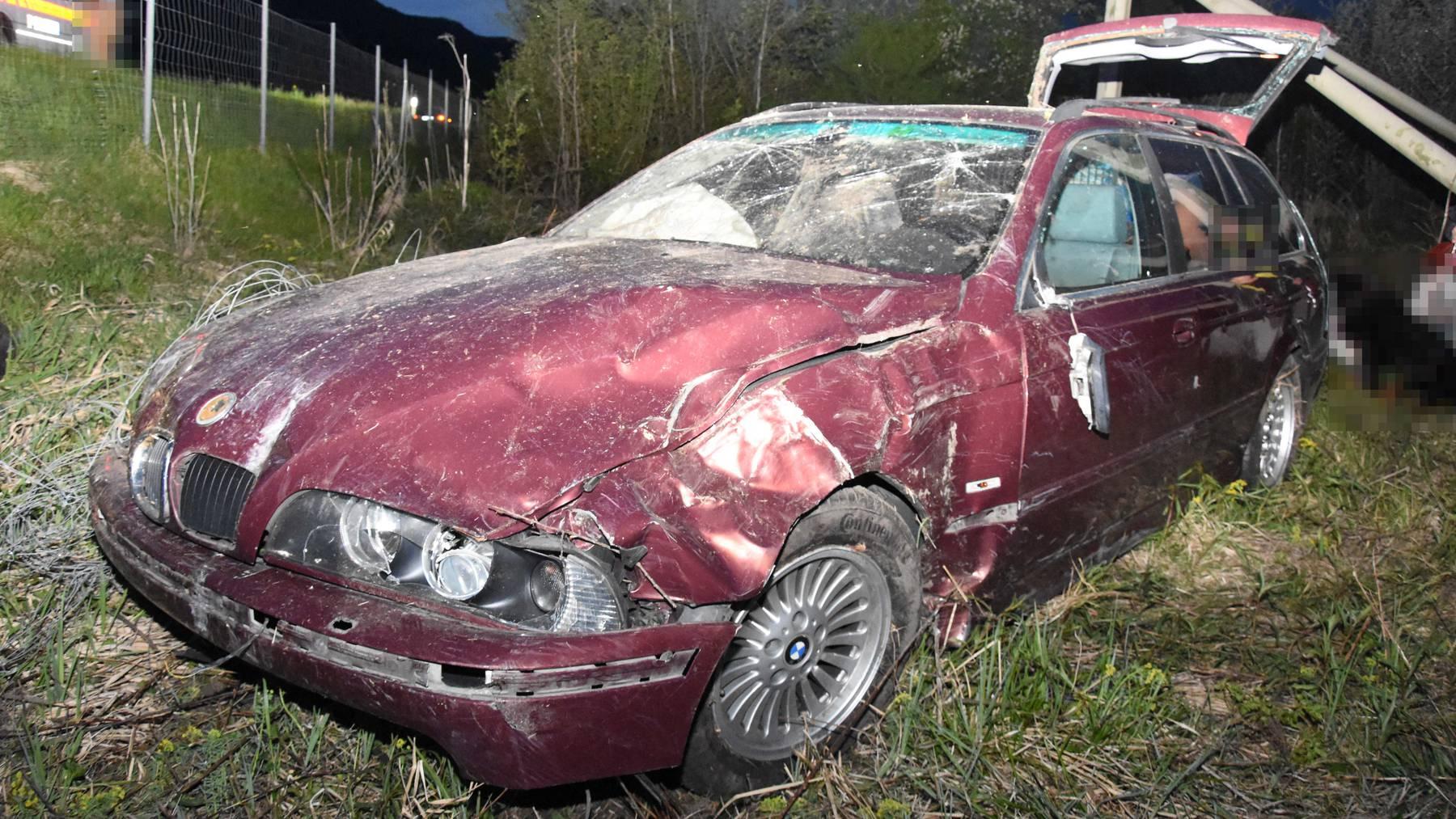 Die Fahrzeuginsassen konnten das Auto selbstständig verlassen.
