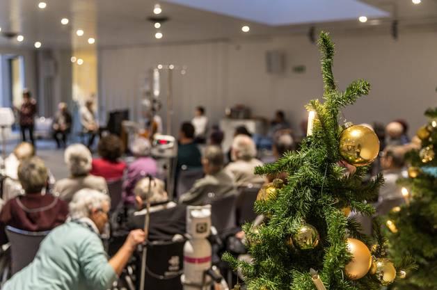 Im Kantonsspital Baden versammelten sich Patienten und Seelsorger für ein kurzes Fest.