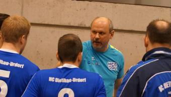 HCDU Trainer Jan Sedlacek während eines Timeouts.