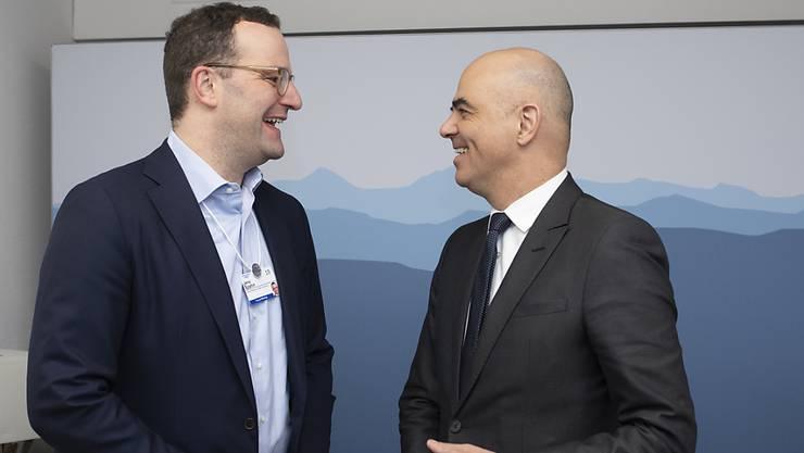 Die Gesundheitsminister der Schweiz, Alain Berset (rechts) und Deutschlands, Jens Spahn, schienen sich am World Economic Forum in Davos bei ihrem Treffen gut zu verstehen.