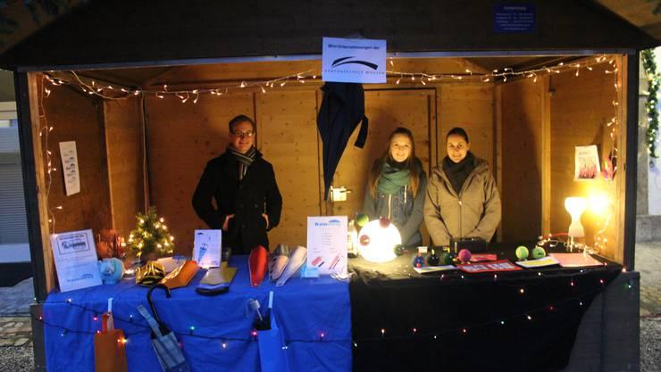 Rechts CFO Fiona und CEO Katja (v.r) am Weihnachtsmarkt in Bad- Schinznach