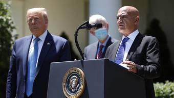 Noch-Verwaltungsrat bei Lonza im Wallis: Moncef Slaoui am Rednerpult, anlässlich seiner Ernennung zum Chef des amerikanischen Impfoperation, vergangenen Freitag in Washington mit US-Präsident Donald Trump.