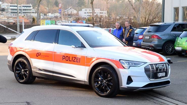 Die Kantonspolizei hat bereits den neuen Audi E-Tron den Medien vorgestellt (Archivbild)