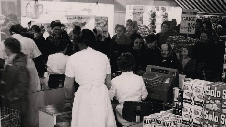 Am 24. Oktober 1967 eröffnete Denner seinen ersten Discount-Laden.