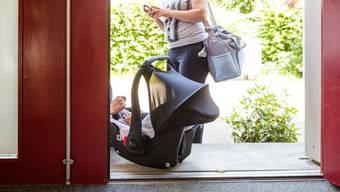 Der Kanton Aargau bezahlt für Frauen 310 Franken und für Kinder 147 Franken pro Tag. Nun sollen die Tarife angepasst werden.