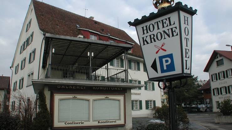 Die «Krone» hat den Wandel Dietikons vom Dorf zur Stadt im Besitz der Familie Gstrein überlebt.