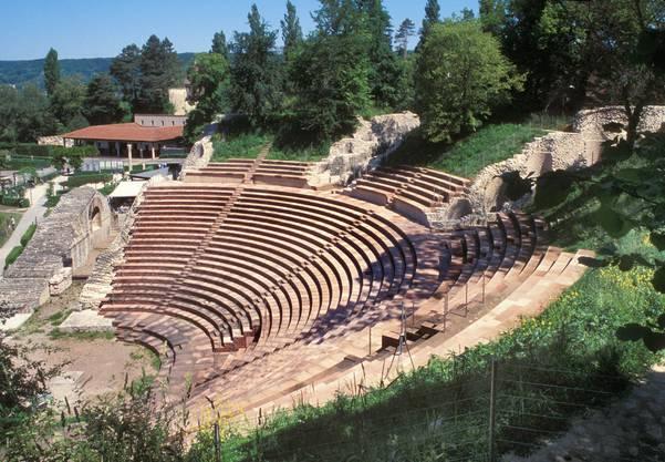 Augusta Raurica, die Römersiedlung in Augst und Kaiseraugst. Die Siedlung wurde 44 v. Chr. Durch Cäsars Feldherrn Lucius Munatius Plancus gegründet.