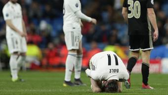 Am Boden zerstört: Die blamierten Real-Profis verlassen das Spielfeld.