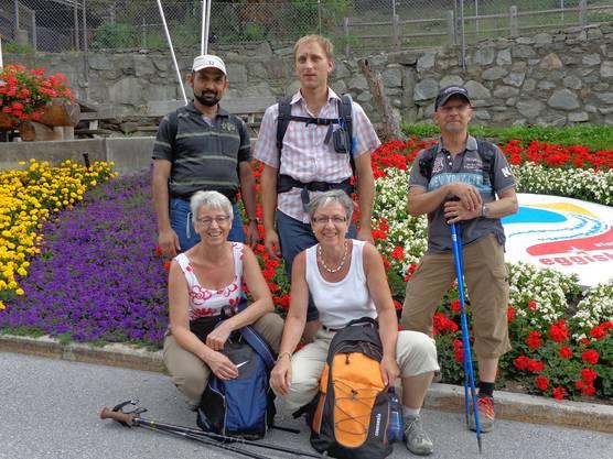 Hinen: Pfr. Varghese Eerecheril, Michael Rüttimann, Peter Meier Vorne: Heidy Ott, Edith Müller