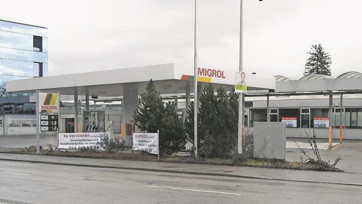 Der Tankstellen-Name deutet bereits auf die künftige Migros-Präsenz an der Baselstrasse hin.