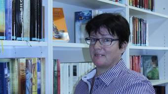 Denise Widmer wird in der Dorfbibliothek weiterhin Bücher einordnen.