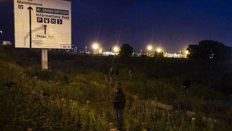 Ein sudanesischer Flüchtling wurde in Grossbritannien zu neun Monaten Haft verurteilt, weil er durch den Ärmelkanal gelaufen ist und dabei den Verkehr behindert hat. (Symbolbild)