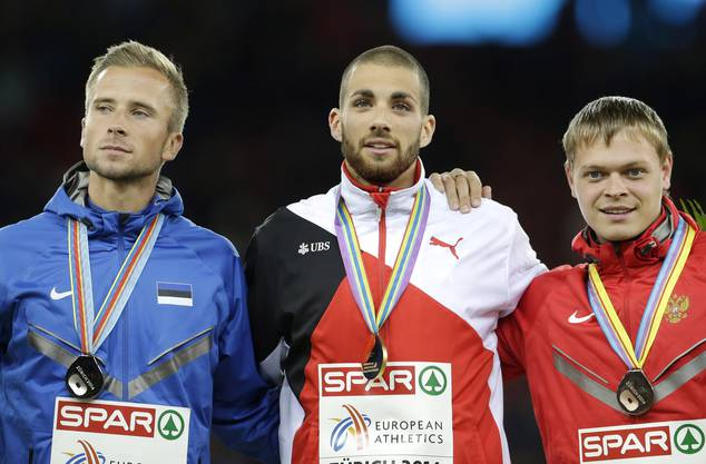 Karim Hussein (M.) mit dem zweitplatzierten Esten Rasmus Maegi (l.) und dem drittplatzierten Russen Denis Kudryavtsev (r.).