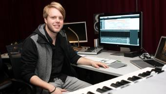 Roman Lerch im Studio in Hubersdorf, das er mit zwei befreundeten Musikern betreibt.