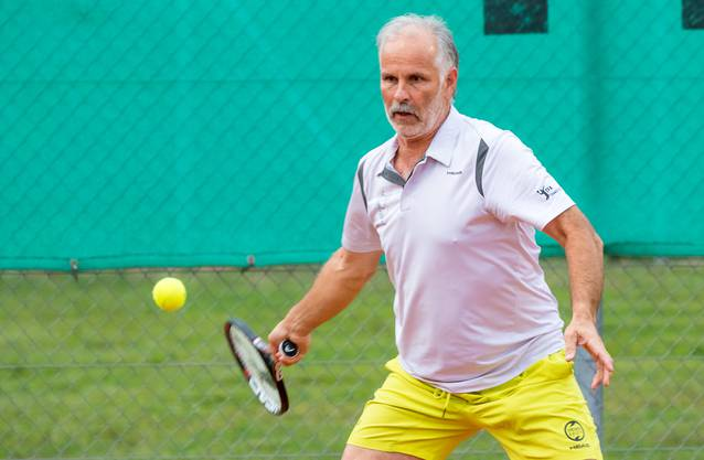 In der Kategorie 55+ spielt Martin Gloor (R3, TC Teufenthal), der vor wenigen Tagen Schweizer Meister der über 60-Jährigen geworden ist.