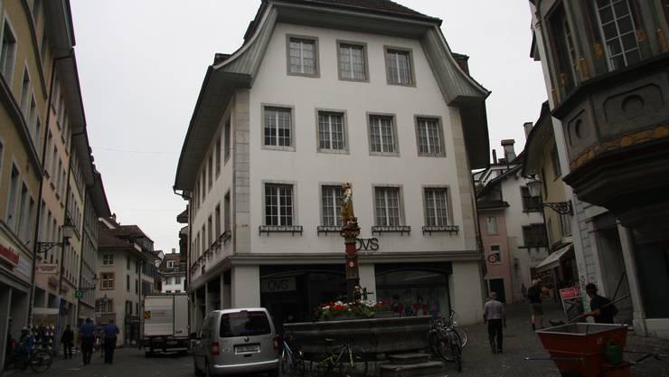 Das ehemalige Geschäftshaus soll nach einem Umbau auch Wohnungen aufweisen.