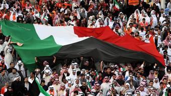 Demonstranten protestieren in den Strassen von Kuwait-Stadt