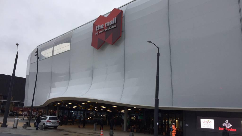 Unbewilligte Parkplätze bei Mall of Switzerland