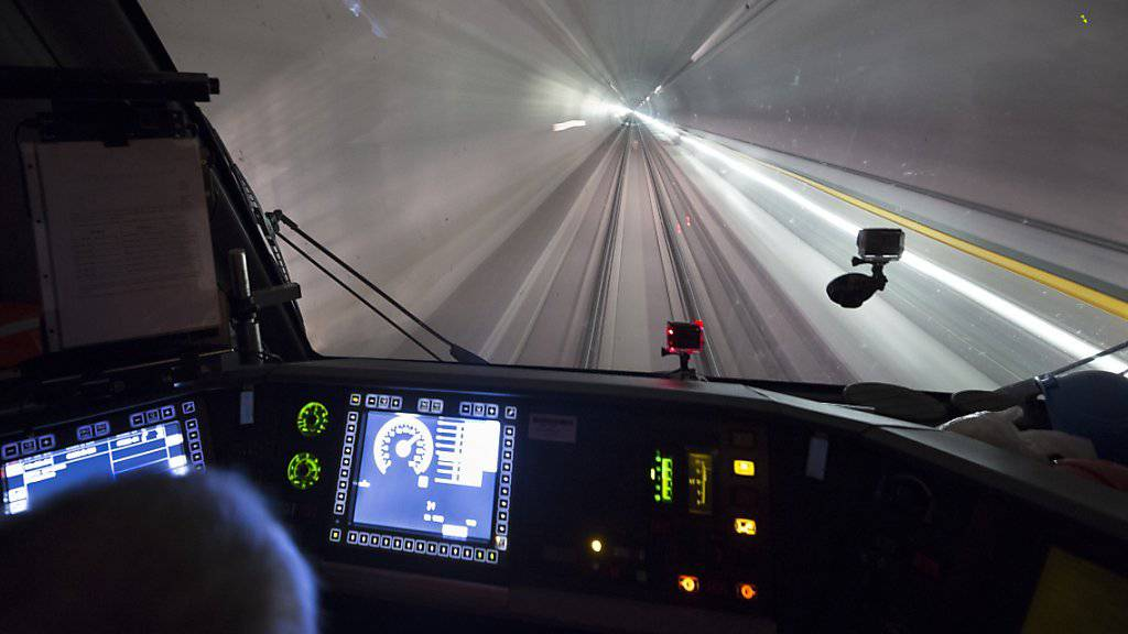 Verwirrung gelöst: Wer am kommenden Wochenende durch den neuen Gotthard-Basistunnel fahren will, hält ab nun in jedem Fall das günstigste Billett-Angebot.
