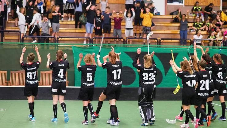 Jubelnde Baslerinnen am letztjährigen Turnier in Prag.