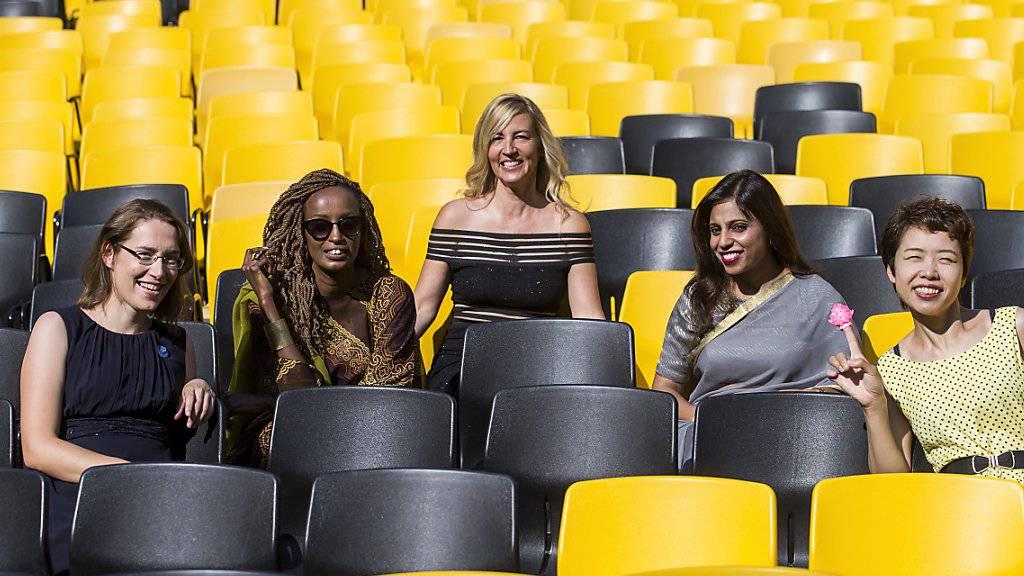 Kämpfen alle auf ihre ganz eigene Weise für eine freie weibliche Sexualität: Doris Wagner, Leyla Hussein, Regisseurin Barbara Miller, Vithika Yadav und Rokudenashiko im August am Filmfestival in Locarno.