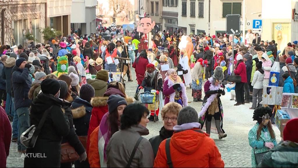 Hunderte Fasnächtler feiern illegal in Würenlingen und Einsiedeln