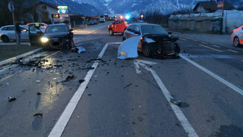 Bei einem Verkehrsunfall im Kanton Wallis ist am Dienstagmorgen eine Frau getötet worden.