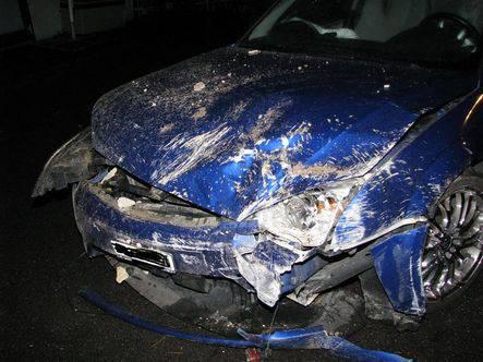 Die Front des Fahrzeugs hat den Unfall nicht überlebt.
