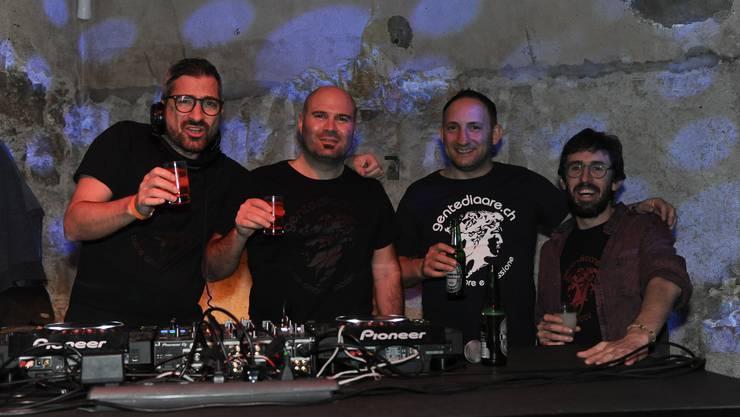 V.l. Secondos Andrea Andreotti, Gianluca Ranfaldi, Pino Finocchiaro, Matteo Lucarelli gründeten vor 14 Jahren in Solothurn das Partylabel «Gentediaare».