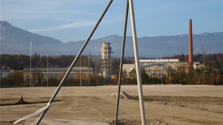 Hier wird ab 2016 gebaut: Biogen erstellt in Luterbach für eine Milliarde Franken eine neue Fabrik zur Produktion vonBasisstoffen für Biopharmazeutika. Ab 2019 sollen bis zu 400 neue Arbeitsplätze entstehen. hanspeter bärtschi