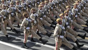 Mit grossen Militärparaden hat der Iran landesweit den 39. Jahrestag des Krieges gegen den Irak (1980-1988) gewürdigt.