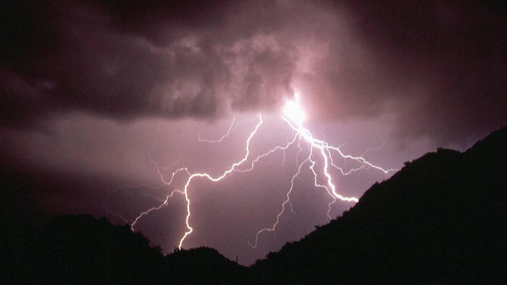 Zwei Personen wurden vom Blitz getroffen.