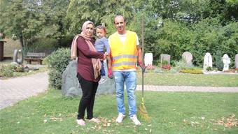 In Sicherheit: Die junge irakische Familie lebt seit drei Jahren in der Schweiz. Vater Reger Ibrahim arbeitet für die Gemeinde.