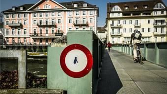 Diese Brücke verbindet Ennetbaden mit dem Badener Bäderquartier.