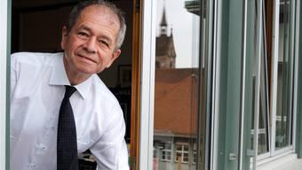 Noch geniesst Uni-Rektor Antonio Loprieno den Blick aus dem Fenster seines Büros gegenüber dem Kollegiengebäude. In anderthalb Monaten wird er es räumen.