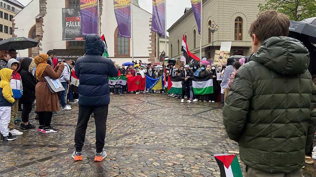 In Basel nahmen rund 200 Personen an einer unbewilligten Palästina-Demonstration teil.