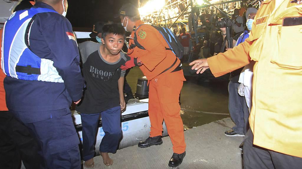 Zwei Tote und 15 Vermisste nach Schiffsunglück