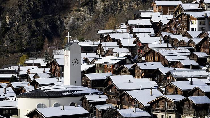 Das Oberwalliser Dorf Albinen lockt Neuzuzüger mit attraktiven Angeboten an.