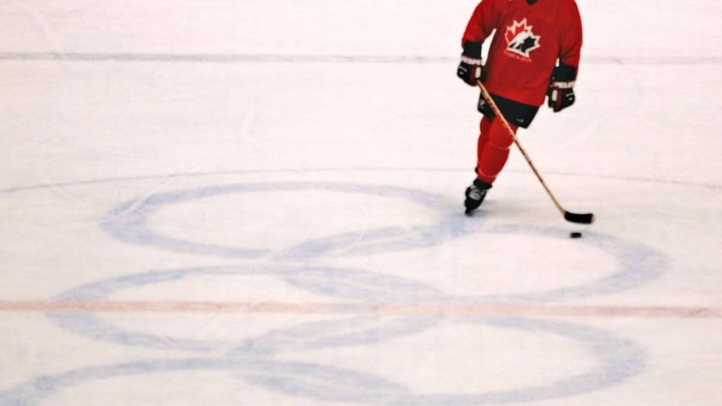Eine seiner grössten Enttäuschungen als Spieler: Bei der Premiere der NHL-Spieler bei Olympia gibt es für Wayne Gretzky und seine kanadischen Stars in Nagano keine Medaille