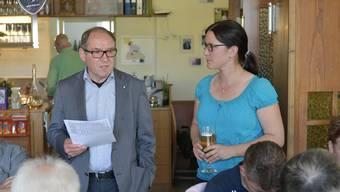 Remo Bill mit Angela Kummer nach der Wahl in Grenchen.