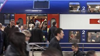 Die SBB mussten Passagiere bei Herbstferienbeginn aus überfüllten Zügen am Gotthard weisen.