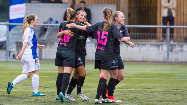 Eine Einheit: So will Trainer Andres Zürcher die FC-Aarau-Frauen sehen.