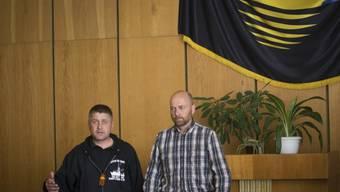 Separatist Ponomarjow und OSZE-Beobachter Schneider vor den Medien