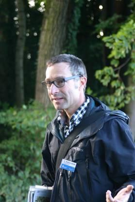 Matthias Oplakta, Leiter Bau vom Amt für Abfall, Wasser, Energie und Luft (Awel), führte durch die Limmatauen Werdhölzli