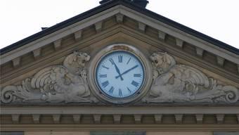 So haben viele Aarauer die alte Bahnhofsuhr in Erinnerung. Sie wurde 2008 entfernt, ist heute in Windisch eingelagert und funktioniert noch.archivRaphael Hünerfauth